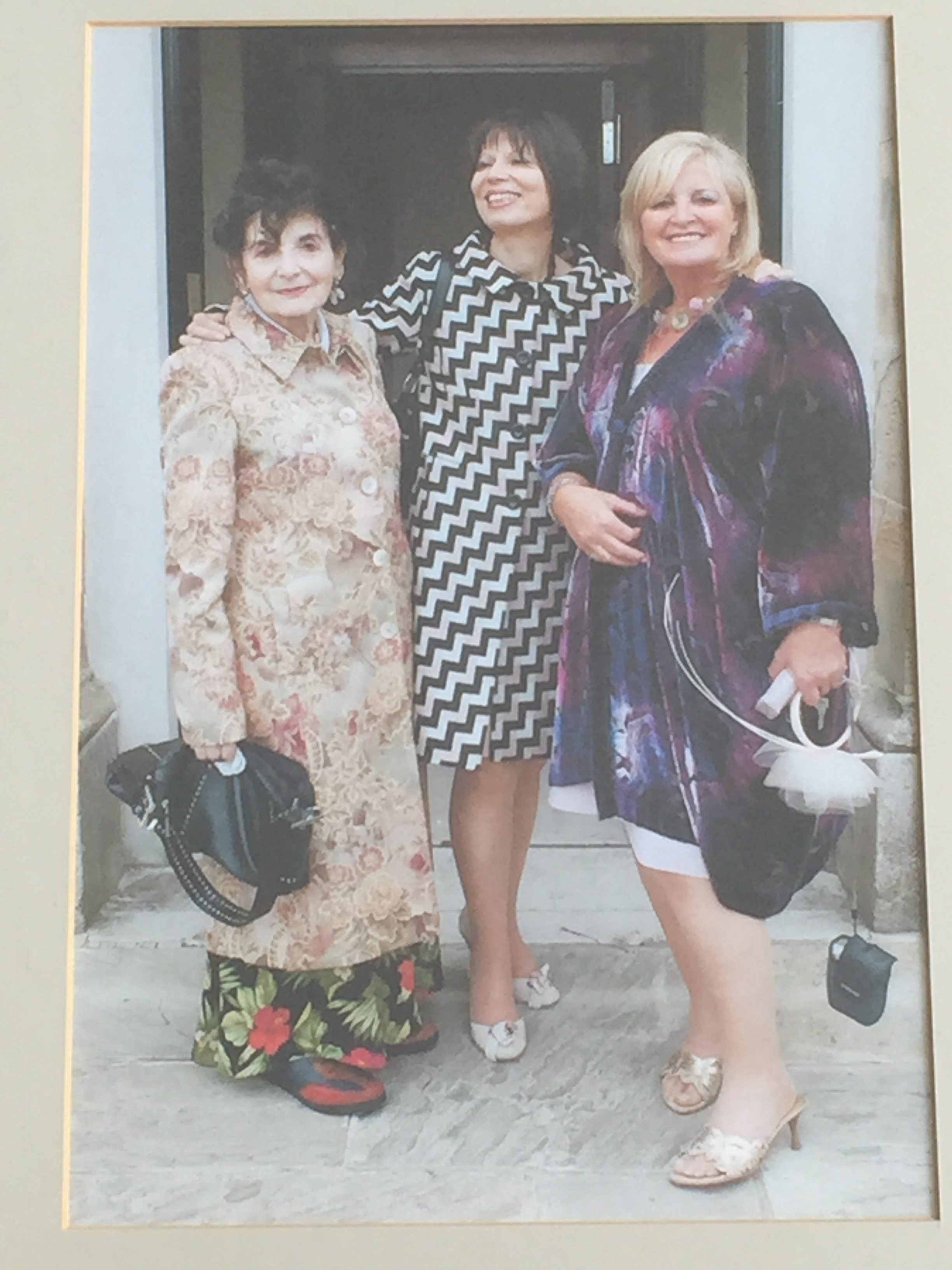 Milly, Shula, Norina at Gavin and Phalla Wedding 2005, photo by Fraser Grey